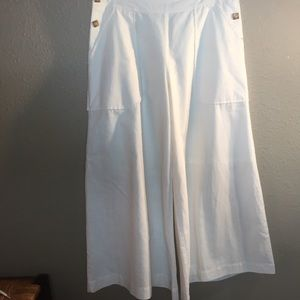 Newport News off white wide leg cropped pants